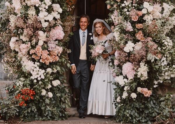 Принцесса Беатрис и Эдоардо Мапелли Моцци после свадьбы