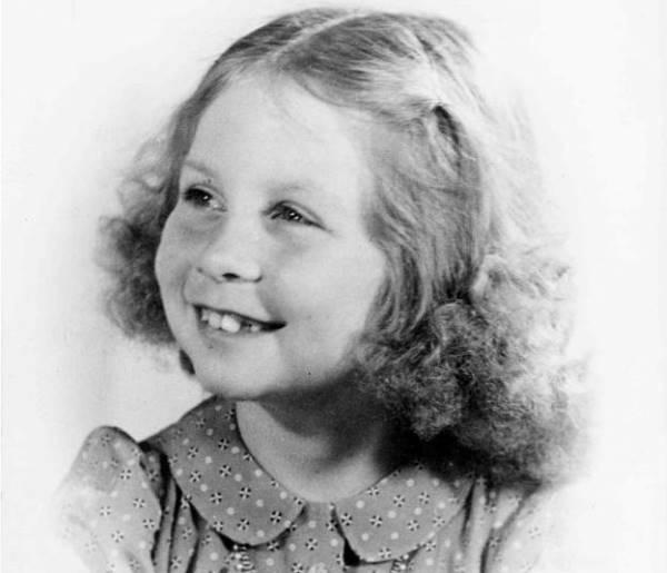 Королева София в детстве