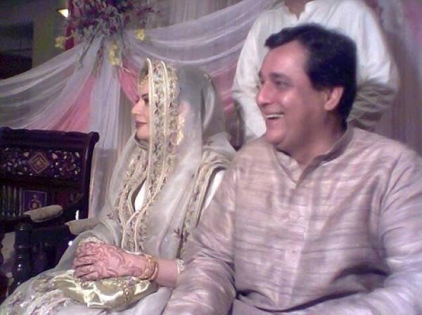 Хаснат Хан с женой