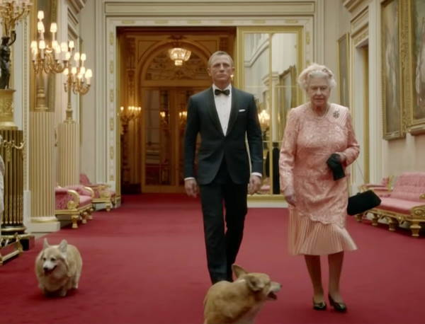 Королева и Джеймс Бонд