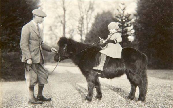 Принцесса Елизавета на пони