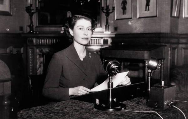 Радиотрансляция рождественской речи королевы