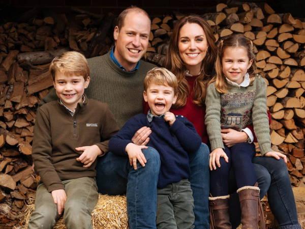 Кейт Миддлтон с семьей в 2020 году