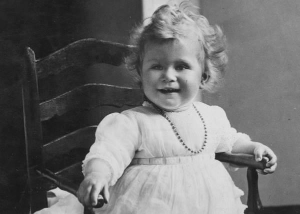 Елизавета II в 1927 году