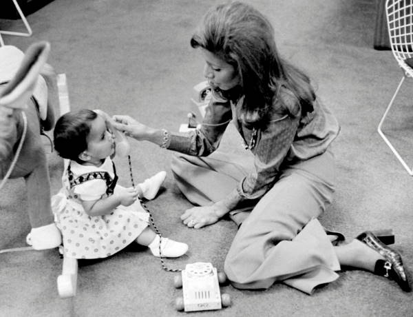 Хайя с матерью