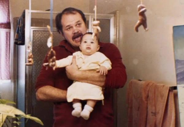 Маленькая Меган с отцом